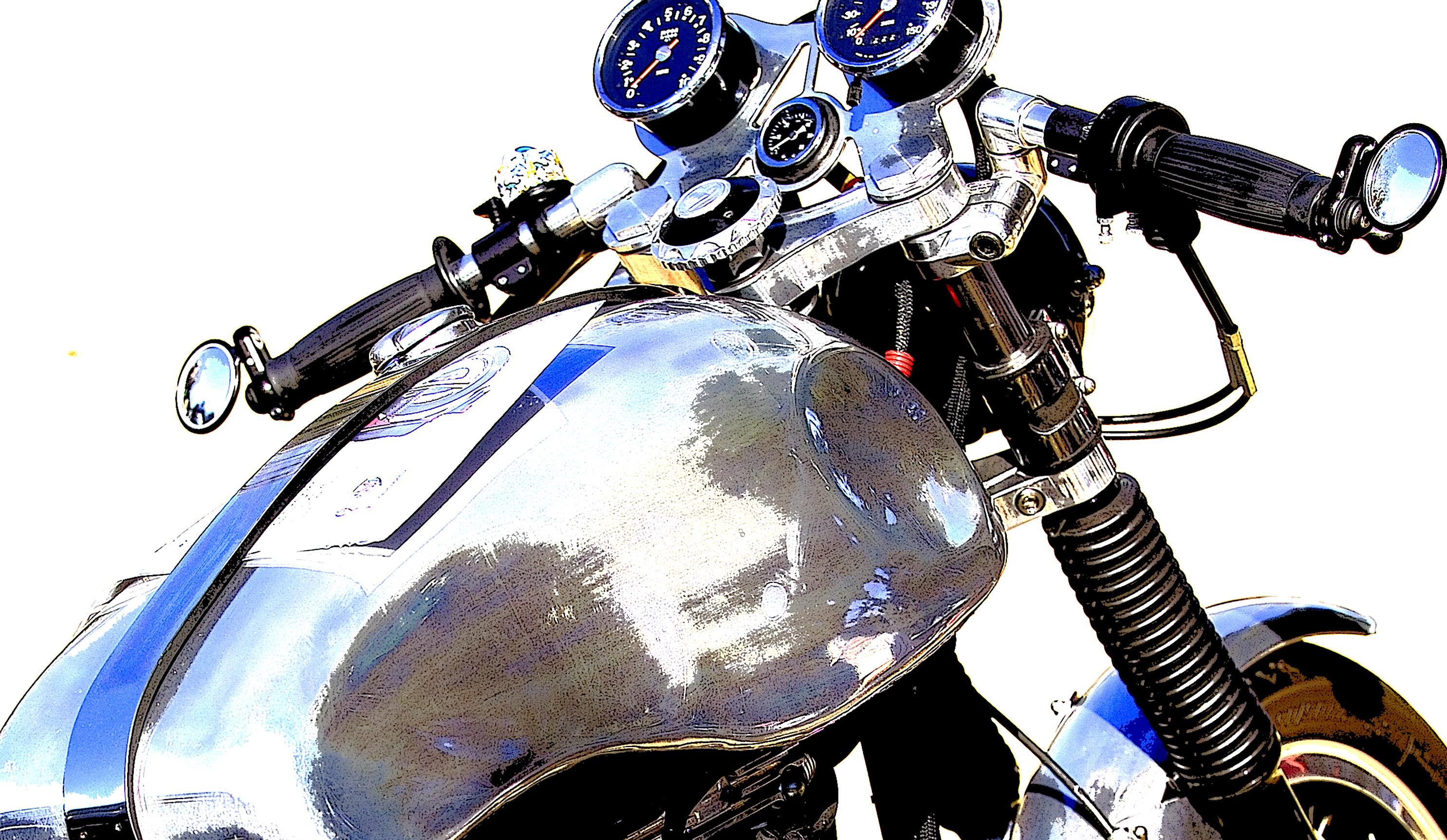 Chrome_Tank_Cafe_Racer_Nov04_MS87_GM220229